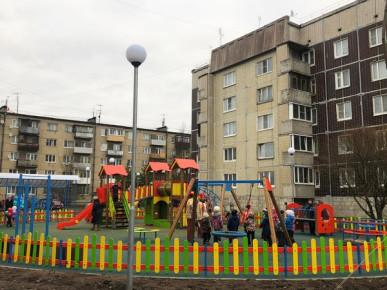 Новая благоустроенная площадка для детей и взрослых в п.г. Мга!