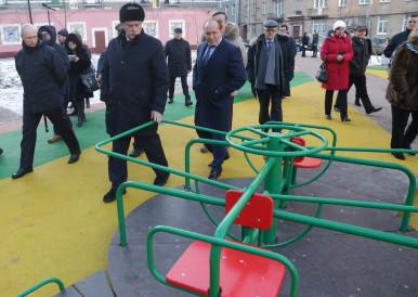 Компания «Красивый город» завершила проект  первой в Петербурге спортивно-игровой площадки для детей-инвалидов, которую высоко оценил губернатор Санкт-Петербурга Георгий Полтавченко