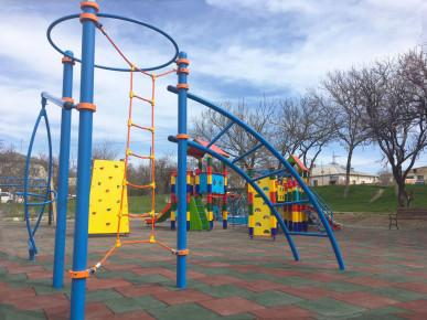 Современные детские площадки в г. Бахчисарай