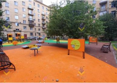 Новая детская площадка на Васильевском острове