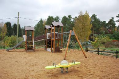 В Раздольевском сельском поселении появилась новая детская площадка!